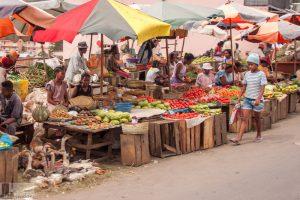Farbenfroher Markt in Madagaskar