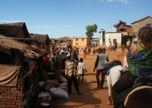 Reiten durch Madagassische Dörfer